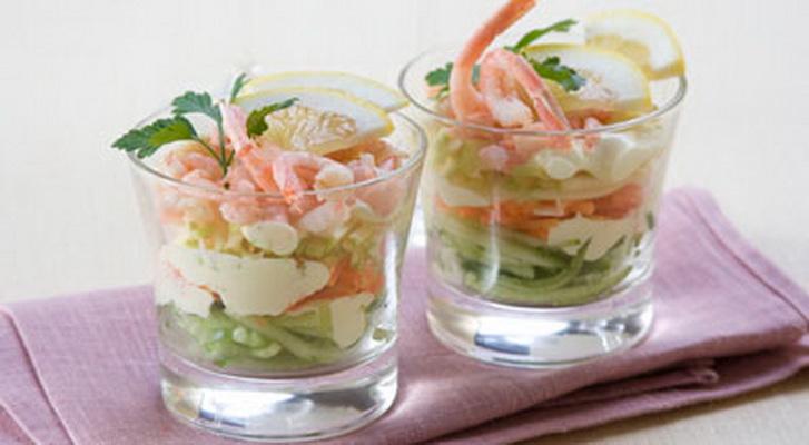 Салат коктейль с кальмарами