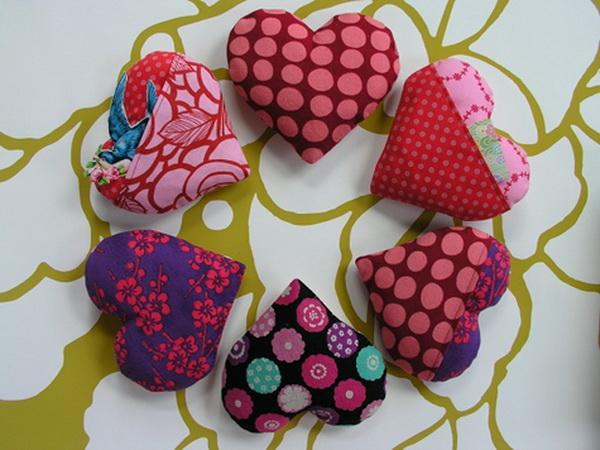 serdechki_iz_tkani_svoimi_rukami.jpg.crop_display Сердечки из ткани своими руками. Как сделать сердечко? Сердечки из ткани