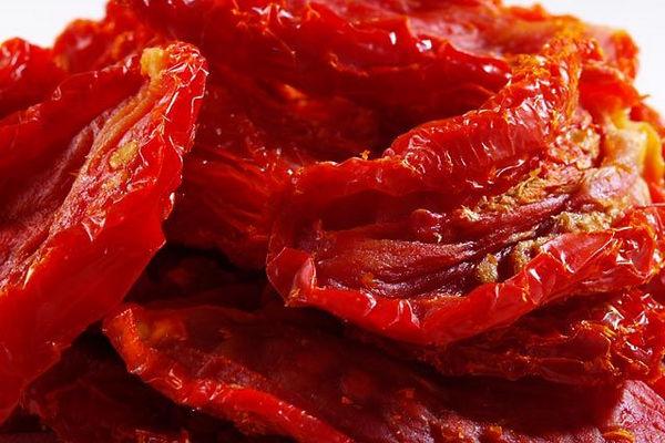 Вяленые помидоры в масле: с чем едят, куда добавить и как хранить || Как хранить сушеные помидоры без масла