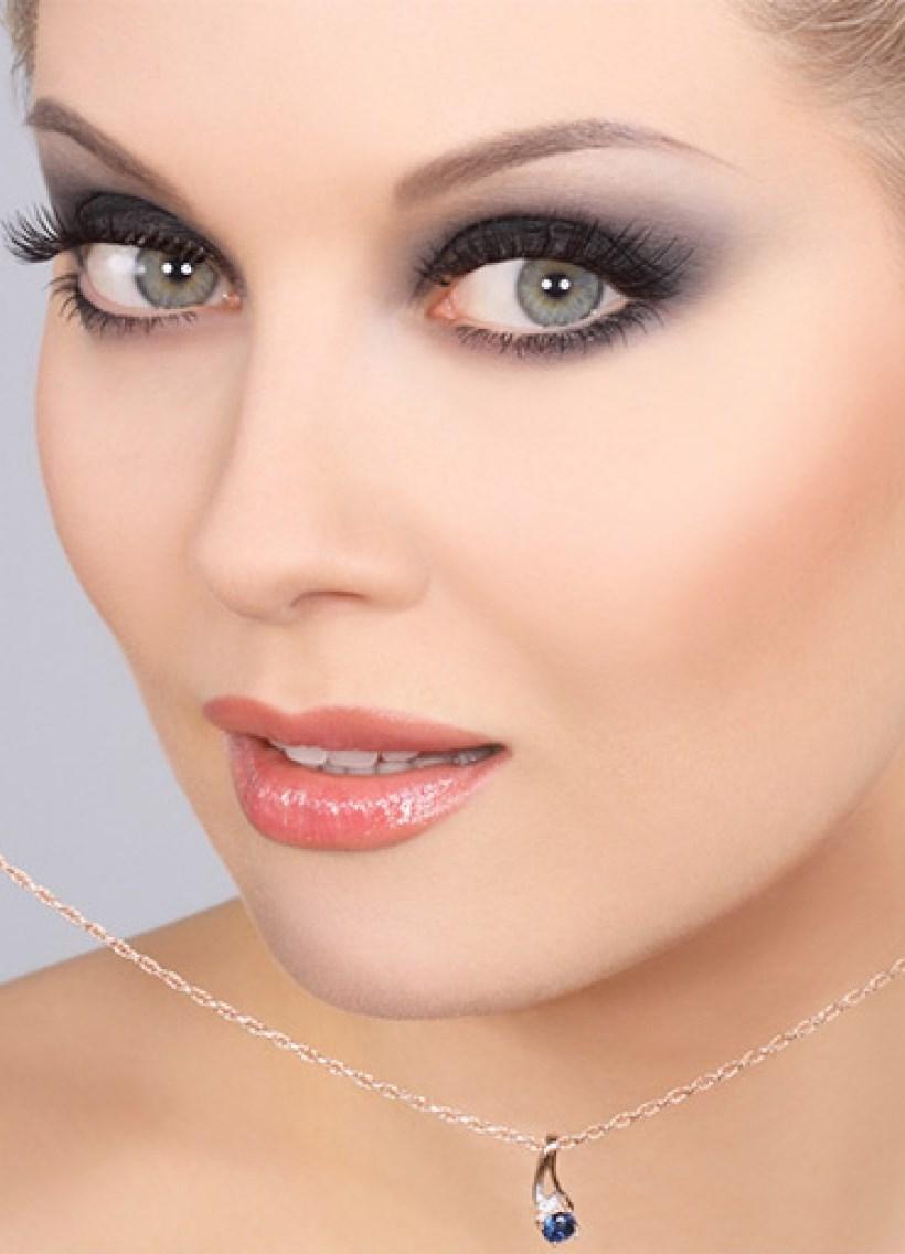 Секреты успешного макияжа для сероглазых девушек