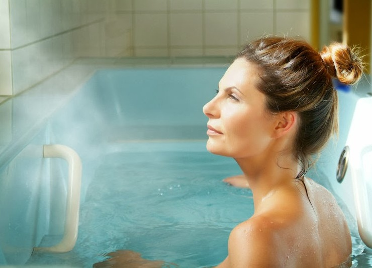Радоновые ванны польза и вред, показания и противопоказания к применению,источники в России чем полезны