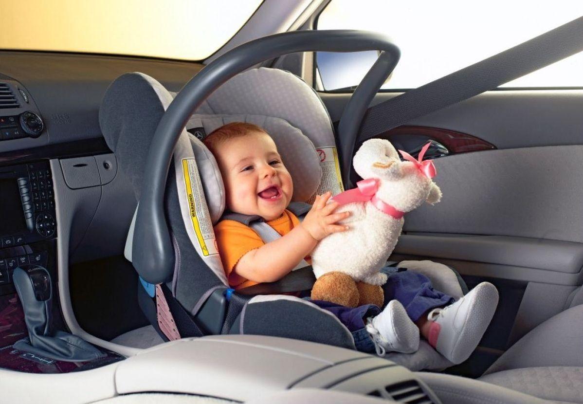 Со скольки лет детям можно ездить на переднем сиденье автомобиля?