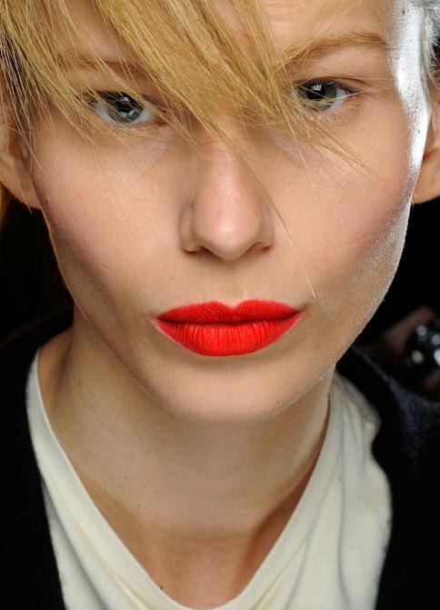 Картинки по запросу макияж с оранжевой помадой