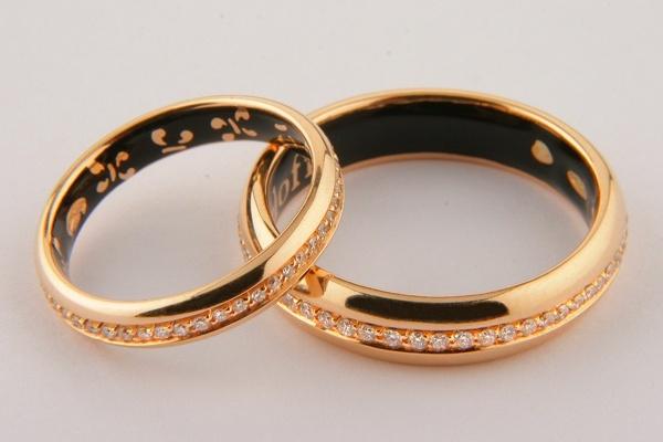 dbde93d85b7d Необычные обручальные кольца