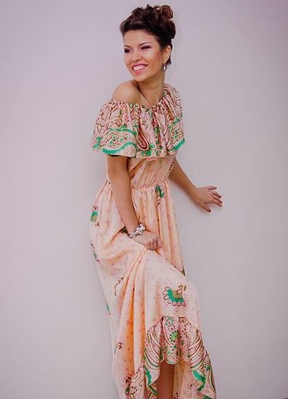 Платье с воланом на плечах 1bd17286f87