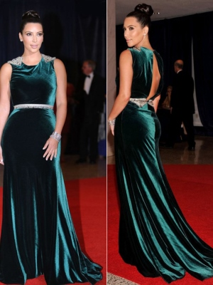 Платья из бархата Ким Кардашьян в Красном Платье