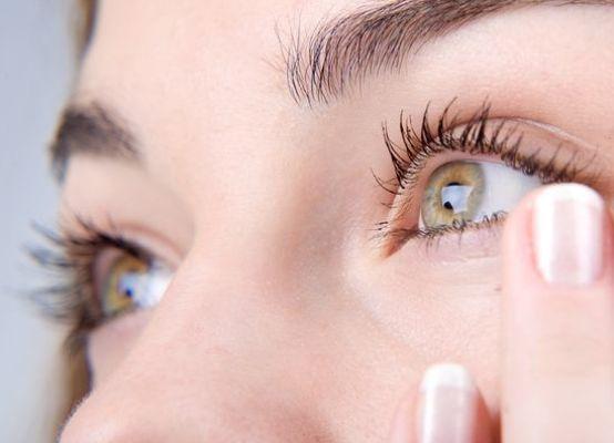 Что сделать если попала соринка в глаз