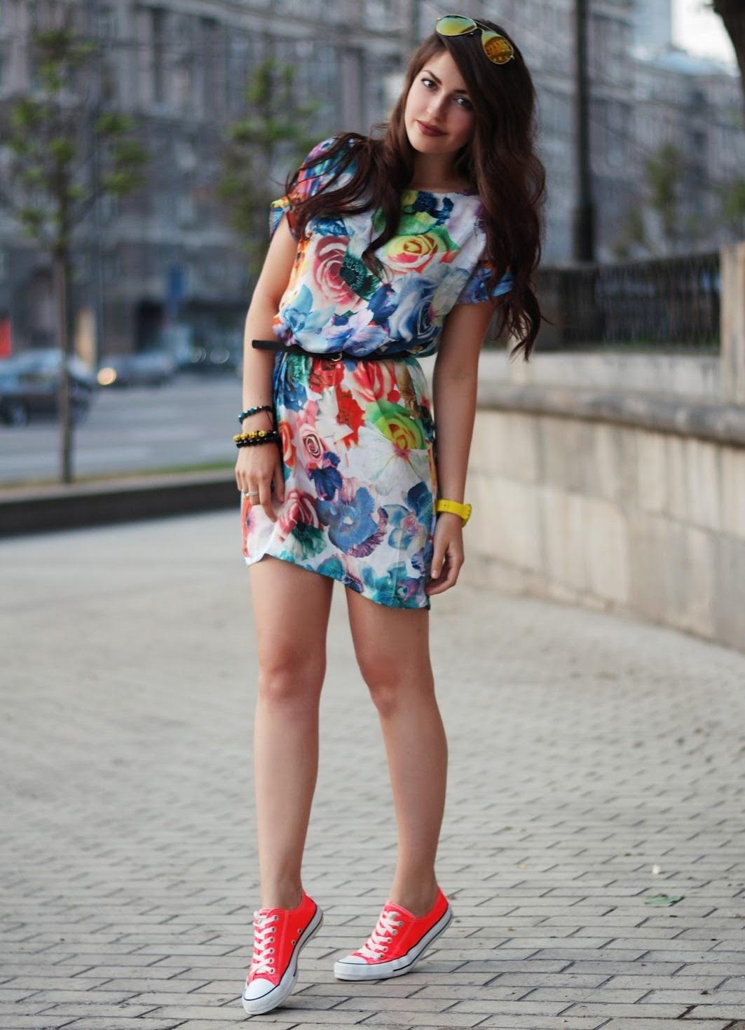 с чем носить цветные кеды женские фото содержит правдивую исчерпывающую