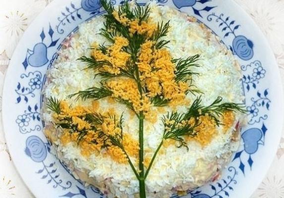 8 марта, блюда из горбуши, салат рыбный.
