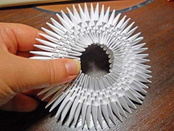 Как сделать из бумаги оригами лебедя 96