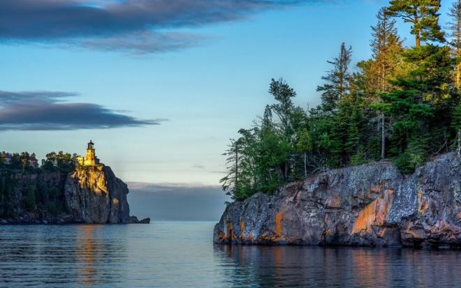 Скалистые берега Канада