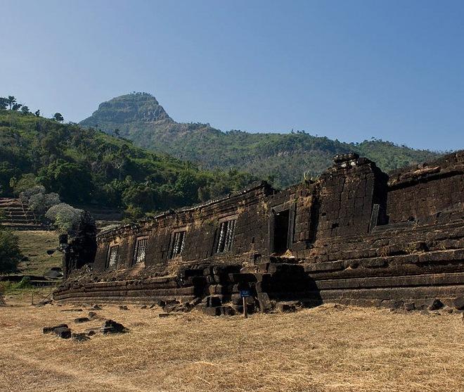 Стена южного храма