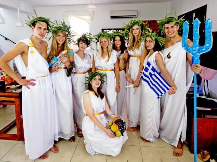 Прикольный корпоратив в греческом стиле фото