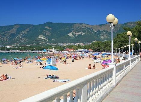 Дима и лена на пляже дивноморска занялись сексом 2010